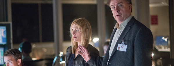 Claire Danes as Carrie Mathison and Michael O'Keefe as John Redmond in Homeland (Season 4, Episode 6). - Photo: David Bloomer/SHOWTIME - Photo ID: Homeland_406_0209.R
